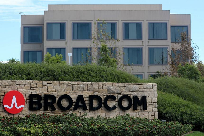 Buying Qualcomm would make Broadcom the third-largest chipmaker, behind Intel Corp and Samsung Electronics.