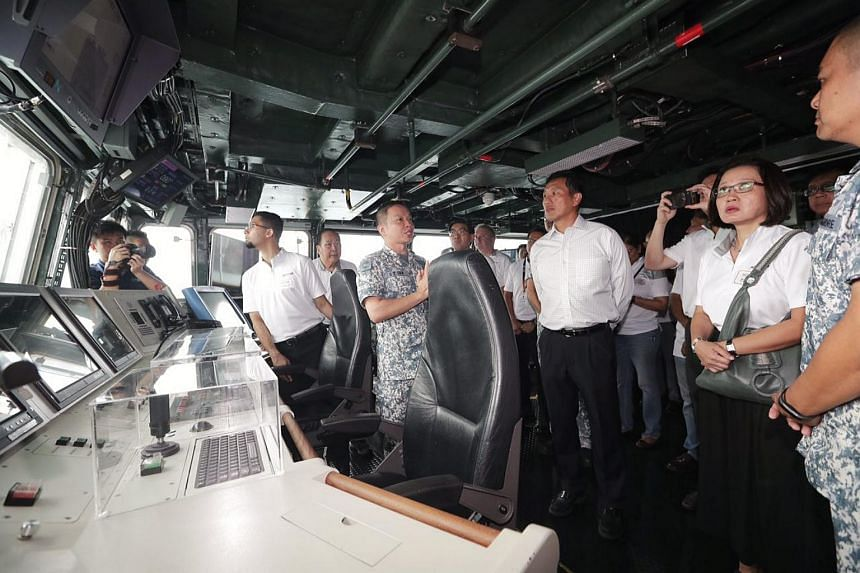 Second Minister for Defence, Mr Ong Ye Kung officiate at the launch of RSN50@Vivo at VivoCity touring RSS Intrepid with members from the Advisory Council on Community Relations in Defence (Accord). (2nd from right) Ms Sylvia Lim, Chairman of the Work