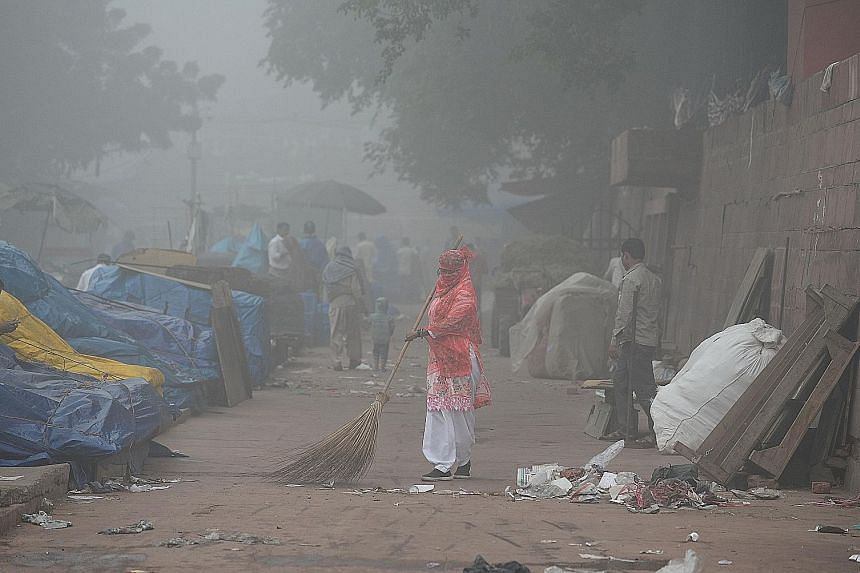 Emergency measures were in place as smog blanketed New Delhi yesterday.