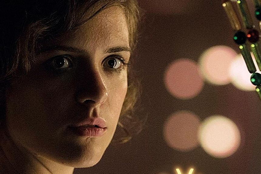 Liv Lisa Fries leads a double life in Babylon Berlin.