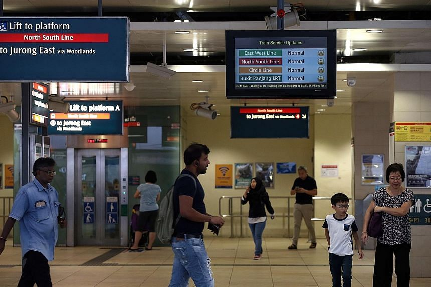 Commuters reported about a train fault at Bishan station on social media yesterday. There were announcements made on trains at City Hall station about a train fault, but none on SMRT's Twitter or Facebook pages.