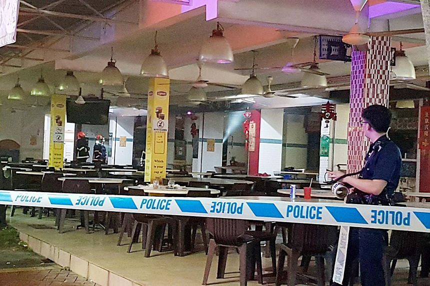 A fire involving an exhaust ducting broke out at a coffee shop on Sin Ming Road on Nov 11, 2017.