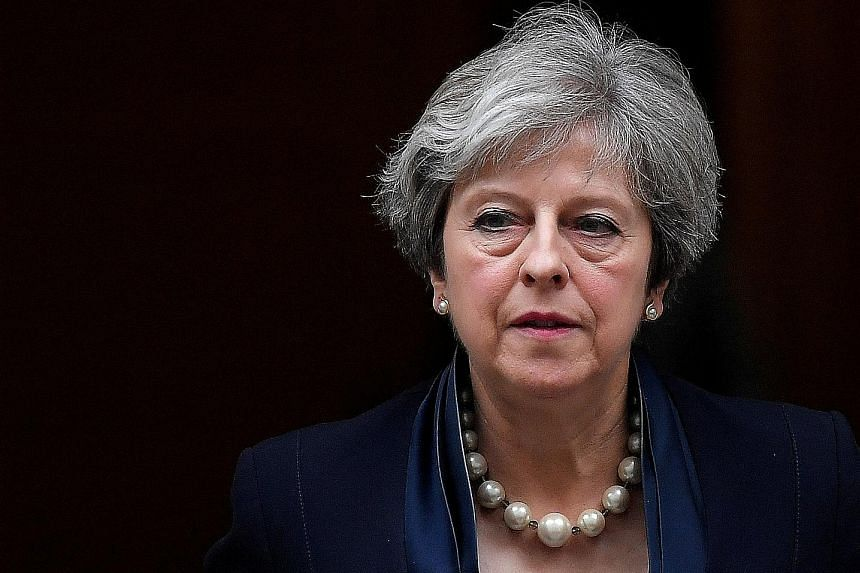 Forty MPs have agreed to sign a letter of no-confidence against British Prime Minister Theresa May.