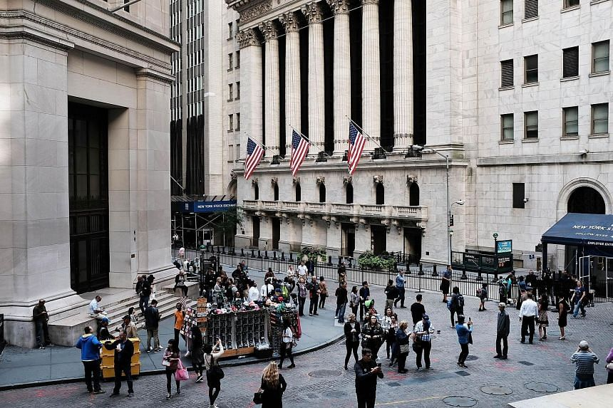 A banner week for Wall Street drove regional and US indices to new highs. Hong Kong and Singapore shares ended last week on a sweet note amid strong earnings and higher trading volumes.