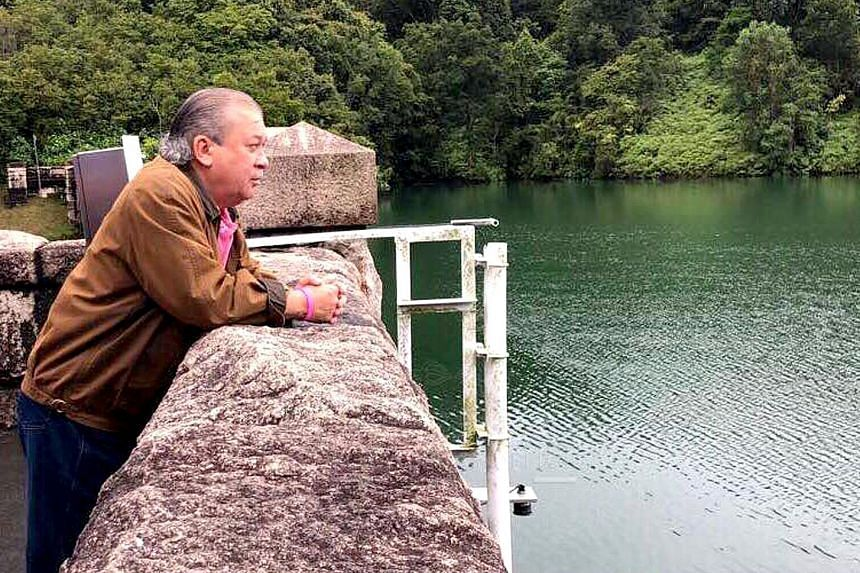 """Johor's Sultan Ibrahim Sultan Iskandar made a surprise visit last Saturday to a reservoir and water treatment plant in Gunung Pulai. Built in 1924, the Sultan Ibrahim reservoir and water treatment plant are located just north of Johor Baru. """"Tuanku S"""