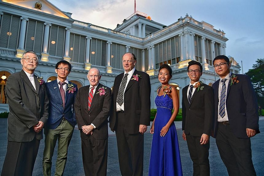 From left: Professor Ng Wun Jern, Professor Gan Wee Teck, Professor Edward Warren Holmes, Professor David Philip Lane, Dr Li Jingmei, Dr Justin Song and Dr Gao Weibo.