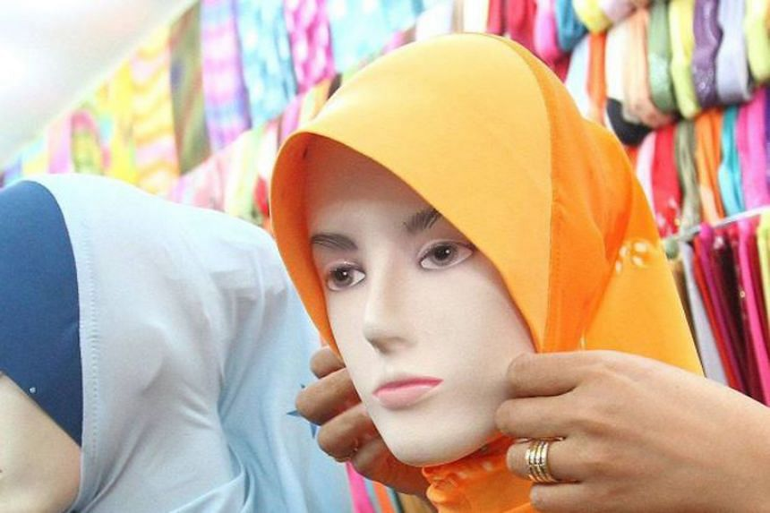 The Union Network International-Malaysia Labour Centre had received complaints from female hotel employees saying that their management forbid them from wear headscarves to work.