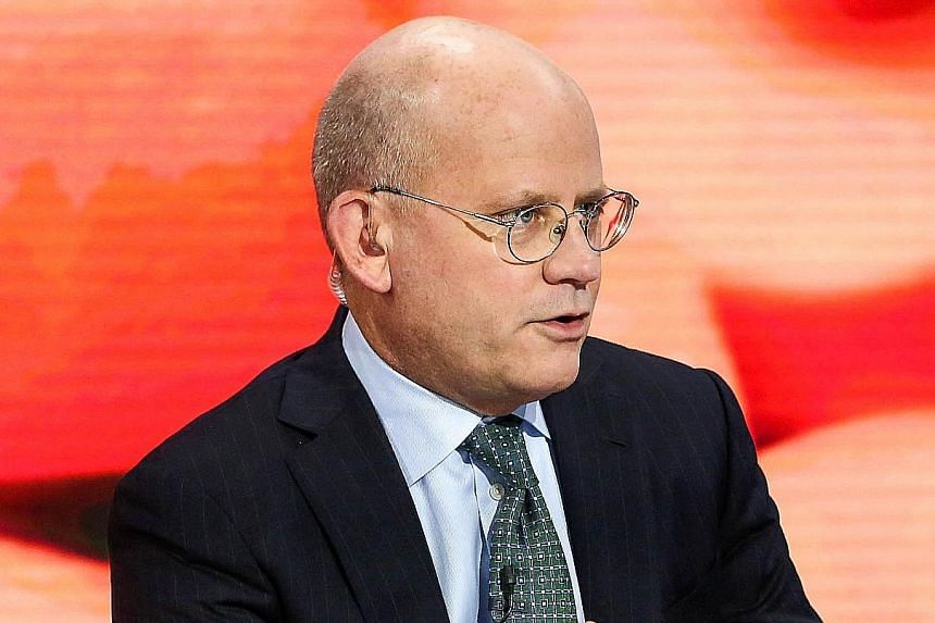 GE chief executive John Flannery said he would focus on restoring the oxygen of cash and earnings to the company.