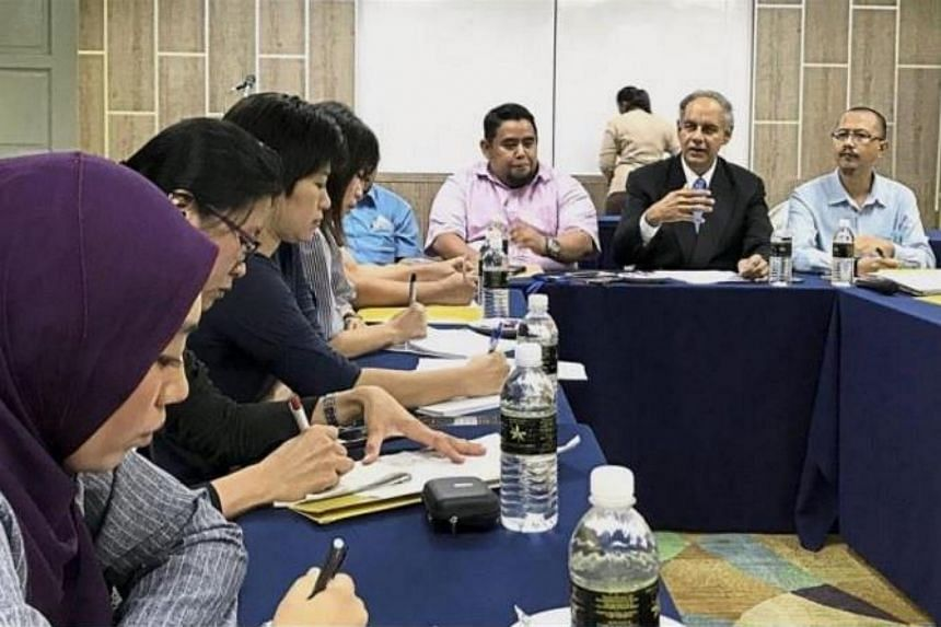 The president of the Johor Bus Operators Association (JBOA), Suchdav Jotisroop (second from right), said there was currently a shortage of about 1,500 express and city bus drivers.