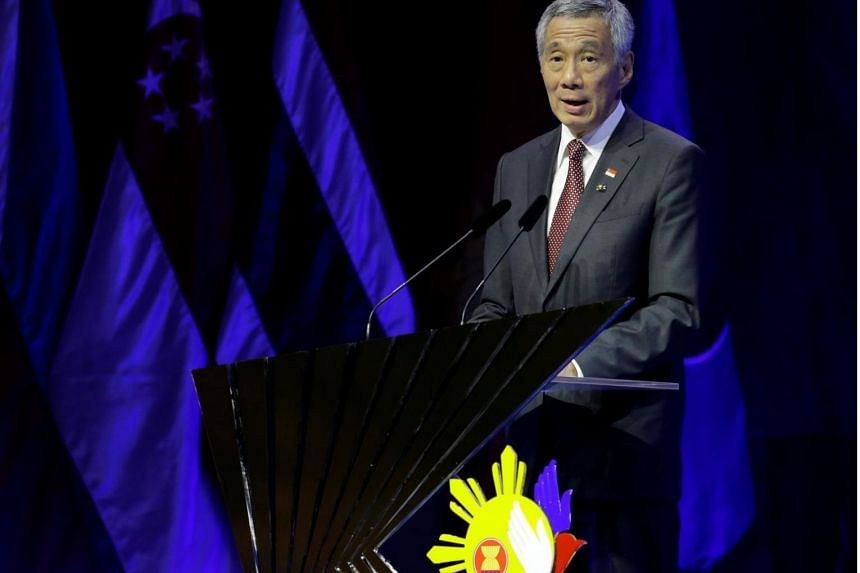 Singapore Prime Minister Lee Hsien Loong delivers his speech after the transfer of ASEAN Chairmanship at the closing ceremonies of the 31st ASEAN Summit and Related Summits in Manila, Philippines.