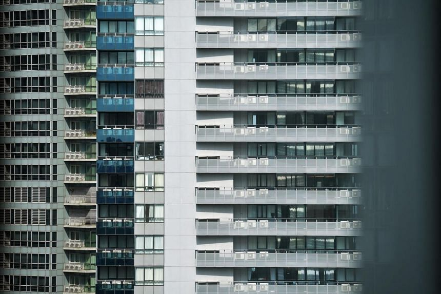 Office rents last quarter rose for the first time in 2½ years and home prices ended a four-year slide.