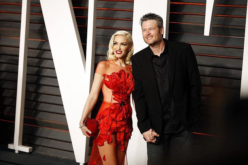 Blake Shelton, who is dating singer Gwen Stefani, is the first country singer to be named Sexiest Man Alive by People magazine.