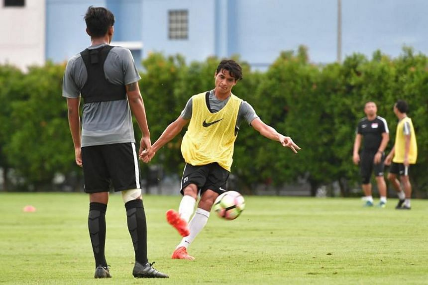 Singapore defender Safuwan Baharudin in action during Lions training session at the Geylang field, on Nov 12, 2017.
