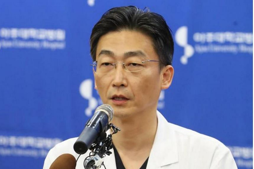 Doctor Lee Cook Jong speaks about the condition of the North Korean soldier who was shot and wounded by fellow soldiers while defecting to South Korea, on Nov 22, 2017.