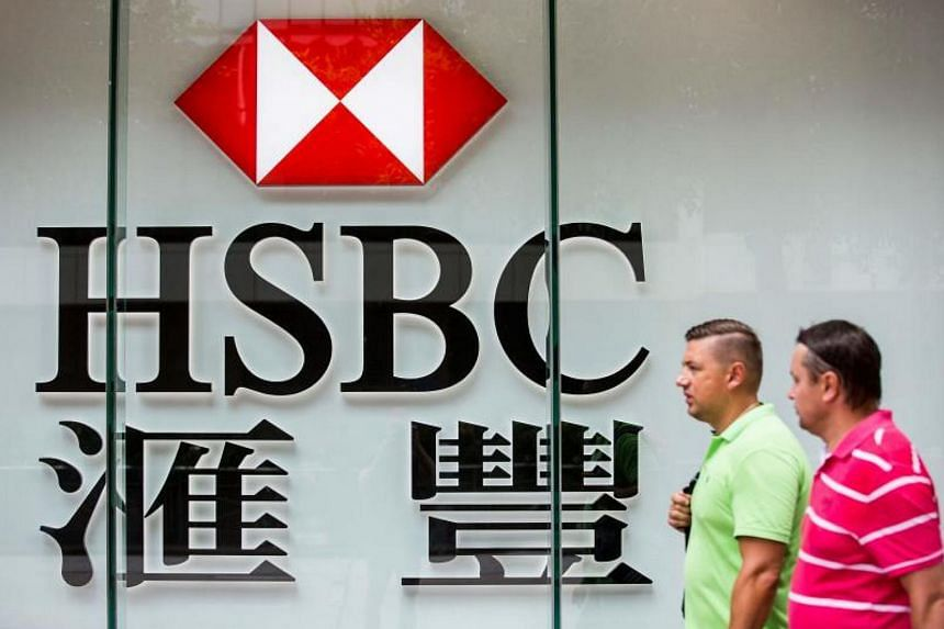 HSBC Private Bank (Suisse) will have its licence to advise on securities suspended for a year, while its dealing license will be partially suspended.