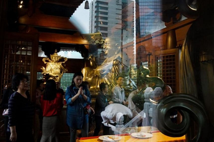 Sites of religious significance are banned from charging high entrance fees, according to new guidelines aimed specifically at Buddhist and Taoist temples in China.