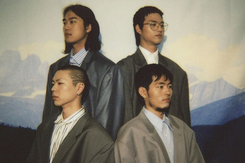 Hyukoh (clockwise from top left, Im Dong Geon, Lim Hyun Jae, Lee In Woo, Oh Hyuk).