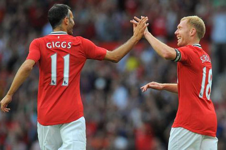 Image result for Ryan Giggs and Paul Scholes