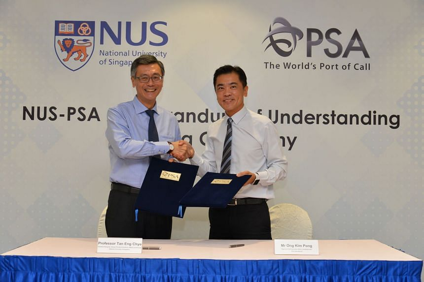 Professor Tan Eng Chye, NUS Deputy President (Academic Affairs) and Provost, and Mr Ong Kim Pong, Regional CEO Southeast Asia, PSA International after signing the MOU.
