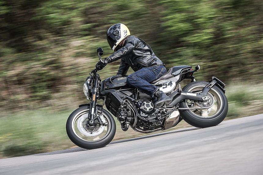 The Scrambler Cafe Racer's relatively low dry weight of 172kg gives it a brisk performance.