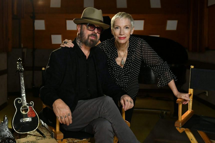 Dave Stewart and Annie Lennox of the Eurythmics will reissue all their albums on vinyl next year.
