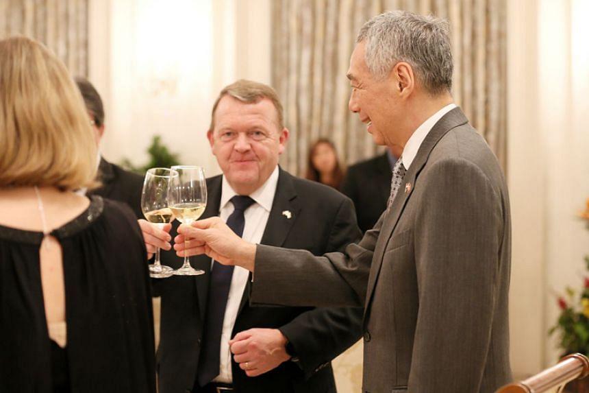 Prime Minister Lee Hsien Loong hosts Danish Prime Minister Lars Lokke Rasmussen at the Istana on Nov 30, 2017.