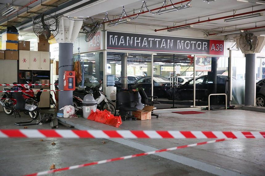 Manhattan Motor closed shop after leaving more than 20 buyers without cars which they have paid for.