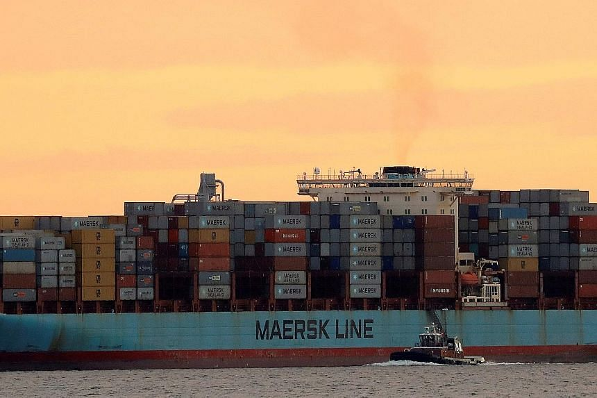 Maersk anchors pole position with Hamburg Sud buyout, Companies