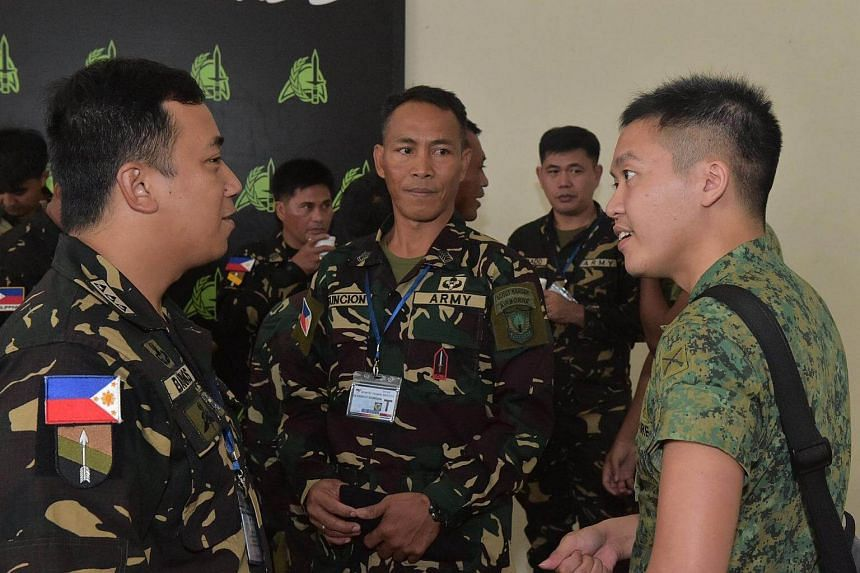 SAF and PA personnel interacting on Dec 5, 2017.