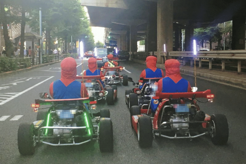 Following three accidents over the past year, Japan's transport ministry has decided to enforce the wearing of seatbelts for go-karts on public highways.