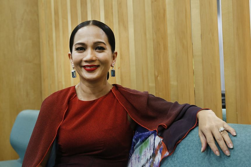 Singer Sheila Majid on Monday sent out a tweet over cost of living issues. Actress Nur Fathia Latiff hit out at a government-backed inquiry implicating former premier Mahathir Mohamad.