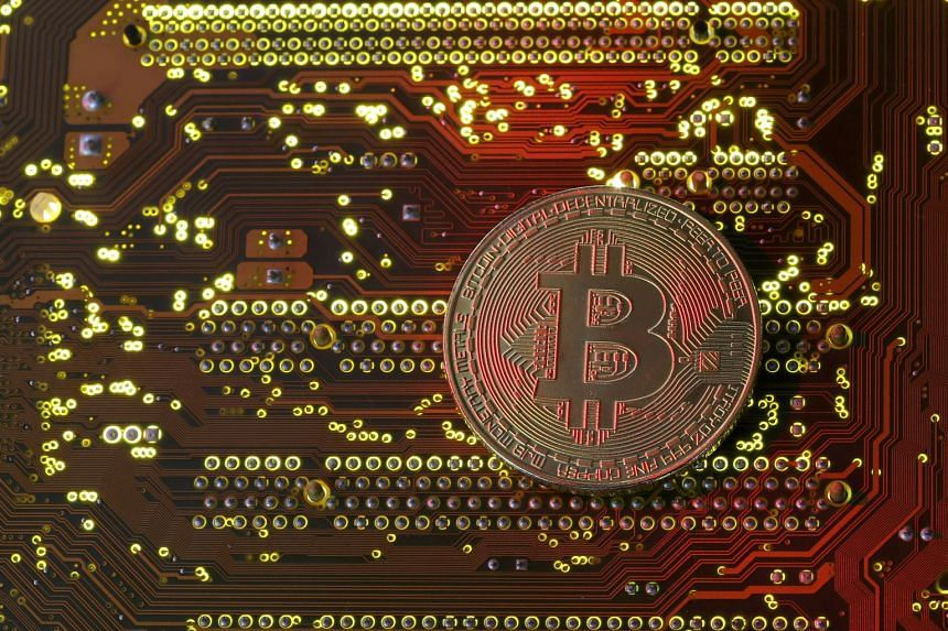 Many industry experts warn that the United States is not prepared for bitcoin's entry into the financial markets.
