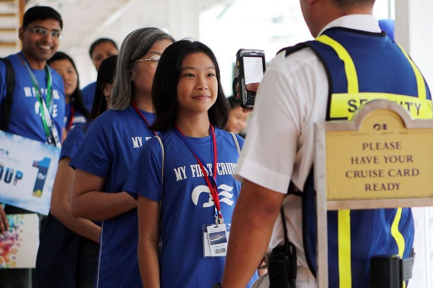 In eager participation prior to boarding the ship. PHOTO: PRINCESS CRUISES, ZAOBAO