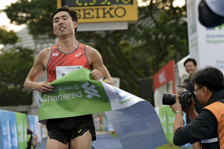 26-year-old Soh Rui Yong has shared $500 of his prize money with Kenyan marathoner Elisha Sawe, who had run part of the race with Soh.