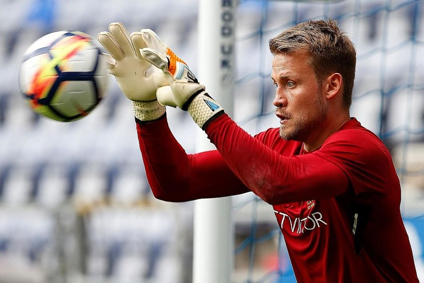 Liverpool goalkeeper Simon Mignolet says no extra motivation is needed for him and his team-mates ahead of the crunch clash against Everton.