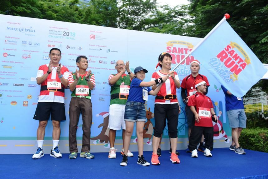 Guest-of-Honour Ms Grace Fu, Minister for Culture, Community and Youth flags off the 5km fun run.