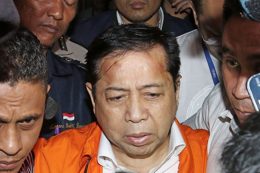 Two defence lawyers acting for Indonesia's Speaker of Parliament Setya Novanto have parted ways with the politician over a difference in opinion with their client.