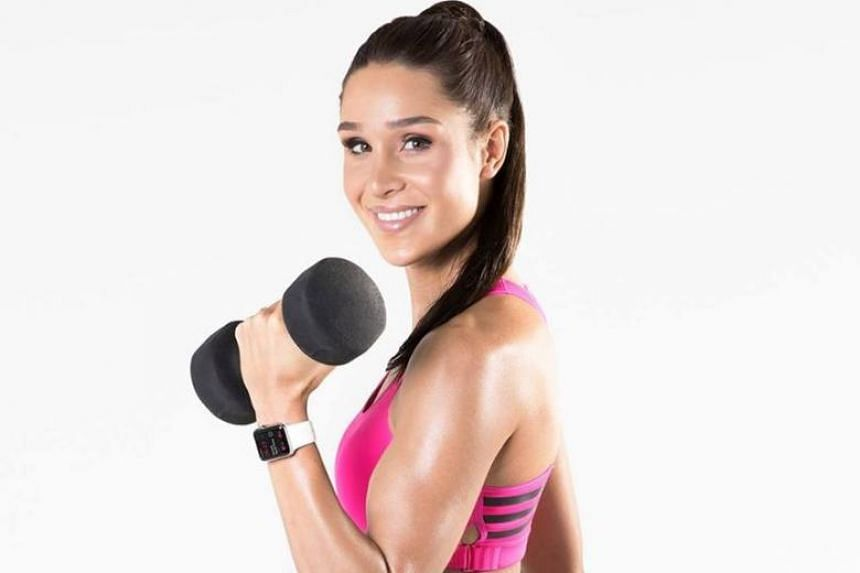 Australian Instagram sensation and personal trainer Kayla Itsines' enviably trim and sculpted phsyique makes for one seriously aspirational #fitselfie.