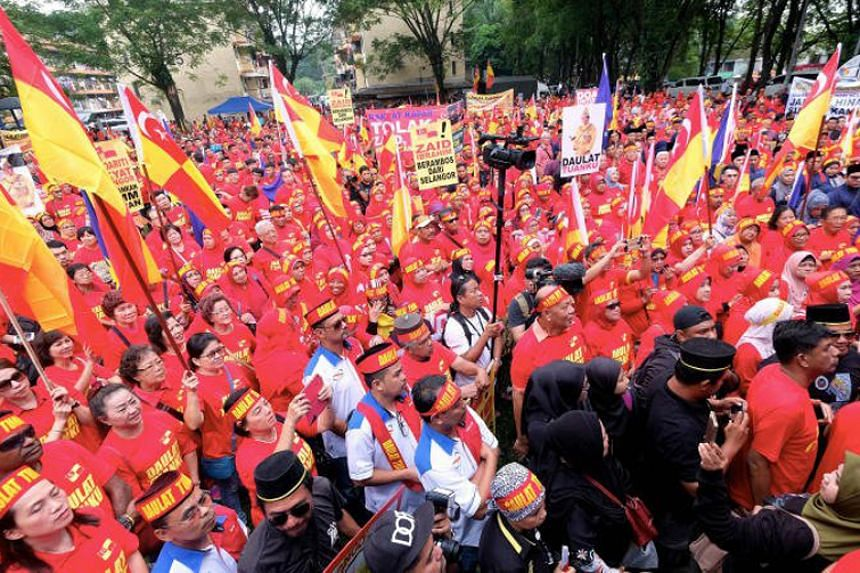 "The rally was called after Democratic Action Party member Zaid Ibrahim wrote in a Twitter post on Dec 4 that Selangor ruler Sultan Sharafuddin Idris Shah should be ""careful"" with his words."