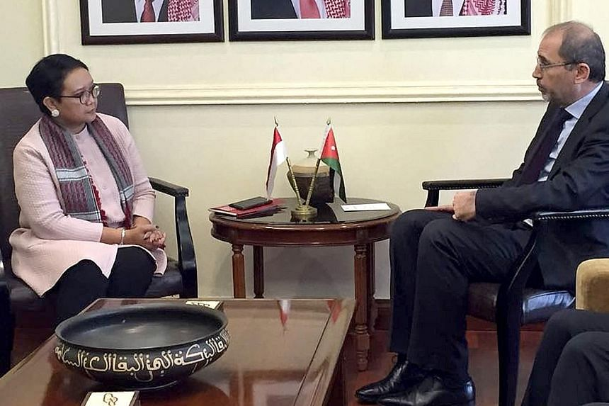 Indonesian Foreign Minister Retno Marsudi meeting her Jordanian counterpart Ayman Safadi in Amman yesterday.