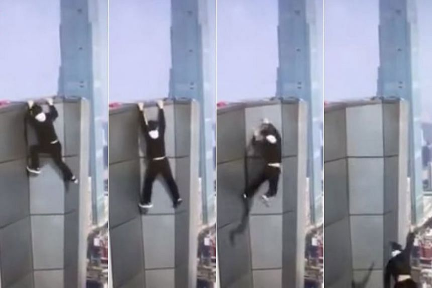 Popular Chinese rooftopper Wu Yongning plunged to his death from a 62-storey building in Changsha, Hunan province, no Nov 8, 2017.