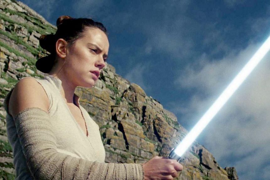 Cinema still from the movie Star Wars: The Last Jedi.