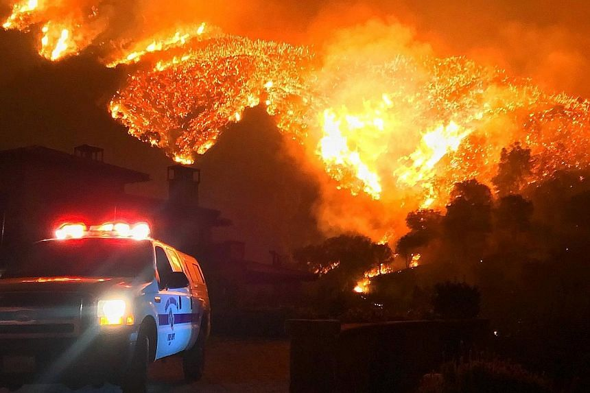 The Thomas wildfire in California. According to experts, global warming increases the risk of out-of-control fires by drying out vegetation, making it more inflammable and easily set alight by lightning, spontaneous combustion or fires lit by humans.