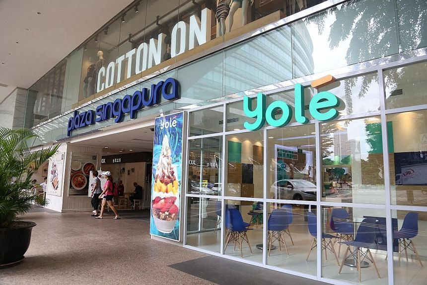 Although Yole has taken over Llaollao's existing outlets, the Spanish chain says the product served is not its yogurt. Llaollao's chief executive hopes to be operating again during the first quarter of next year.