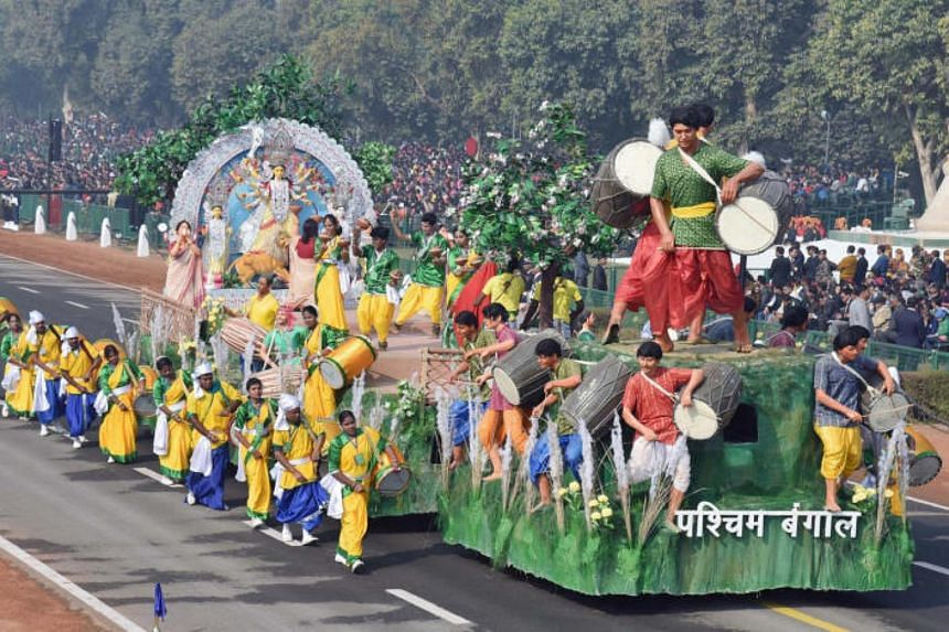 The float from West Bengal depicting Durga Puja passes through the Rajpath during the full dress rehearsal for the Republic Day Parade 2017, in New Delhi on Jan 23, 2017.