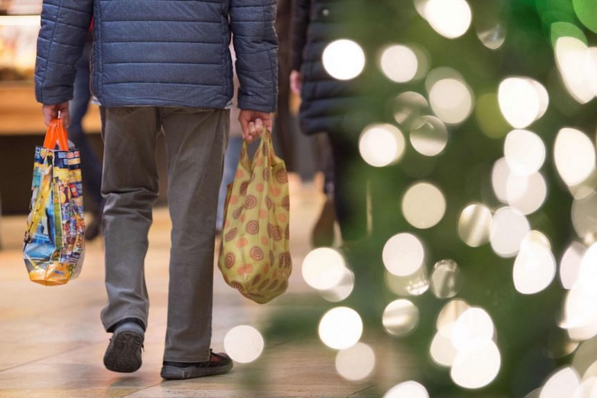 Gift-giving can be a gift itself, say psychology experts.