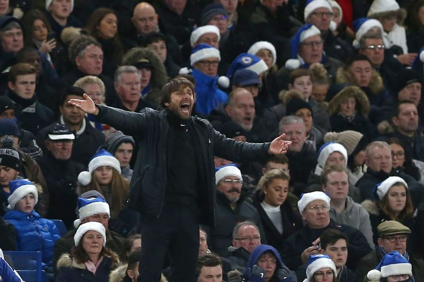 Conte reacts during the match between Chelsea and Southampton.