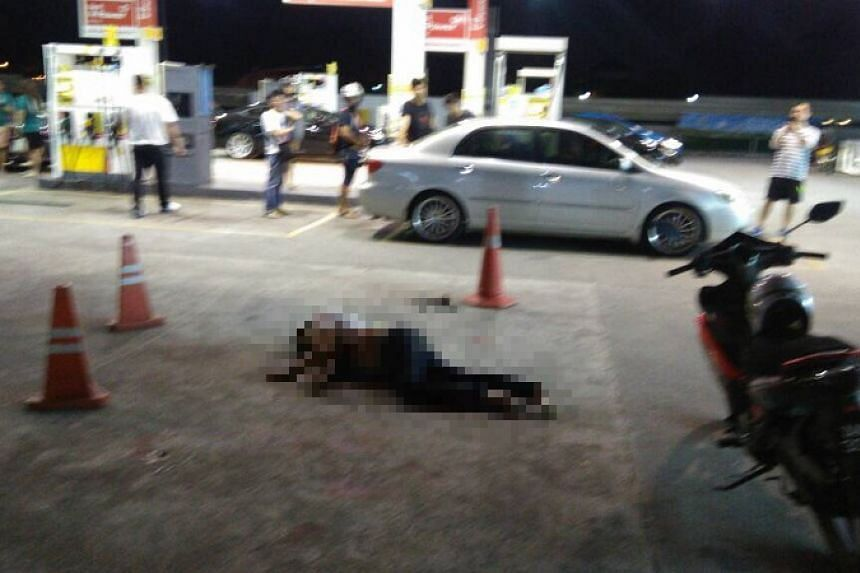 A motorist was murdered on Dec 17, 2017, at a Shell petrol station in Jalan Sri Pelangi in Taman Pelangi.