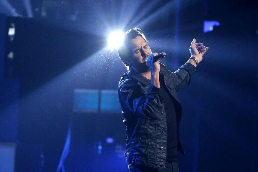 Luke Bryan sold more than 107,000 units of What Makes You Country this week on the Billboard 200 chart.