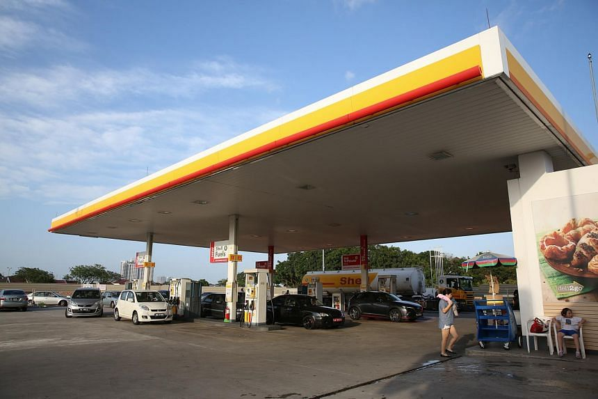The Shell petrol station in Jalan Sri Pelangi, Taman Pelangi, Johor Baru, where the man was attacked and killed.